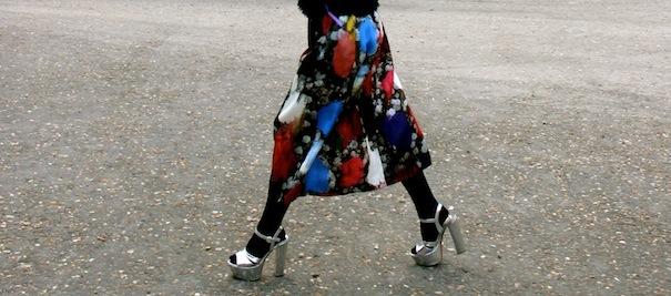 floral skirt street style