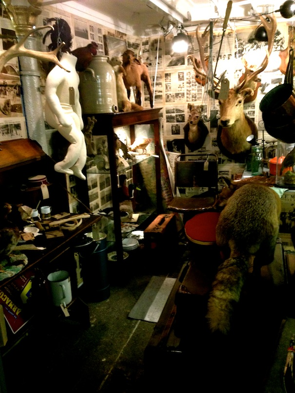 london furniture vintage shops